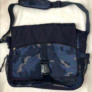 POTTERY BARN TEEN-BOYS CAMO MESSENGER BAG